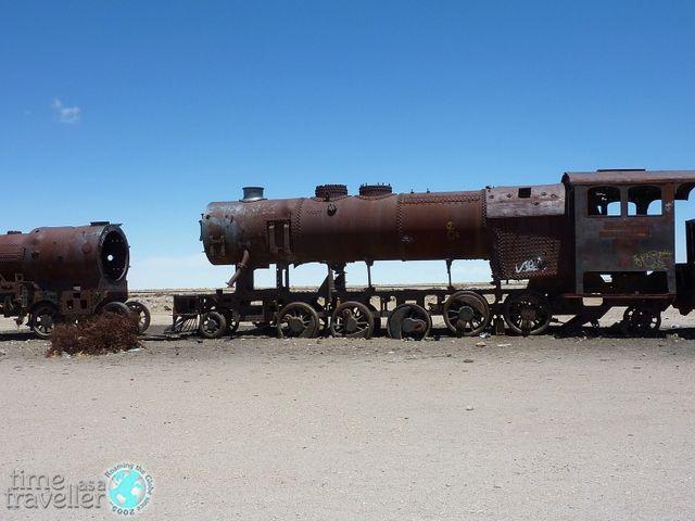 salar-de-uyuni-train-bolivia