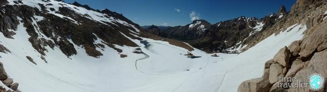 Mountain pass between Refugio Frey and Refugio Jacob